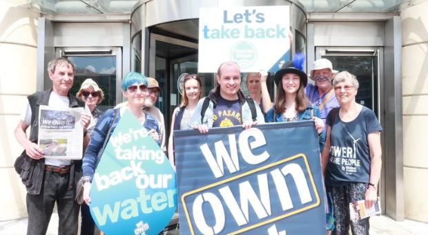 Reverter privatizações dos serviços públicos e diminuir tarifas: propostas do Partido Trabalhista Britânico